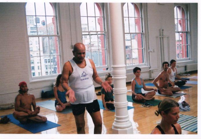 ashtanga-yoga-asana-3065569-o